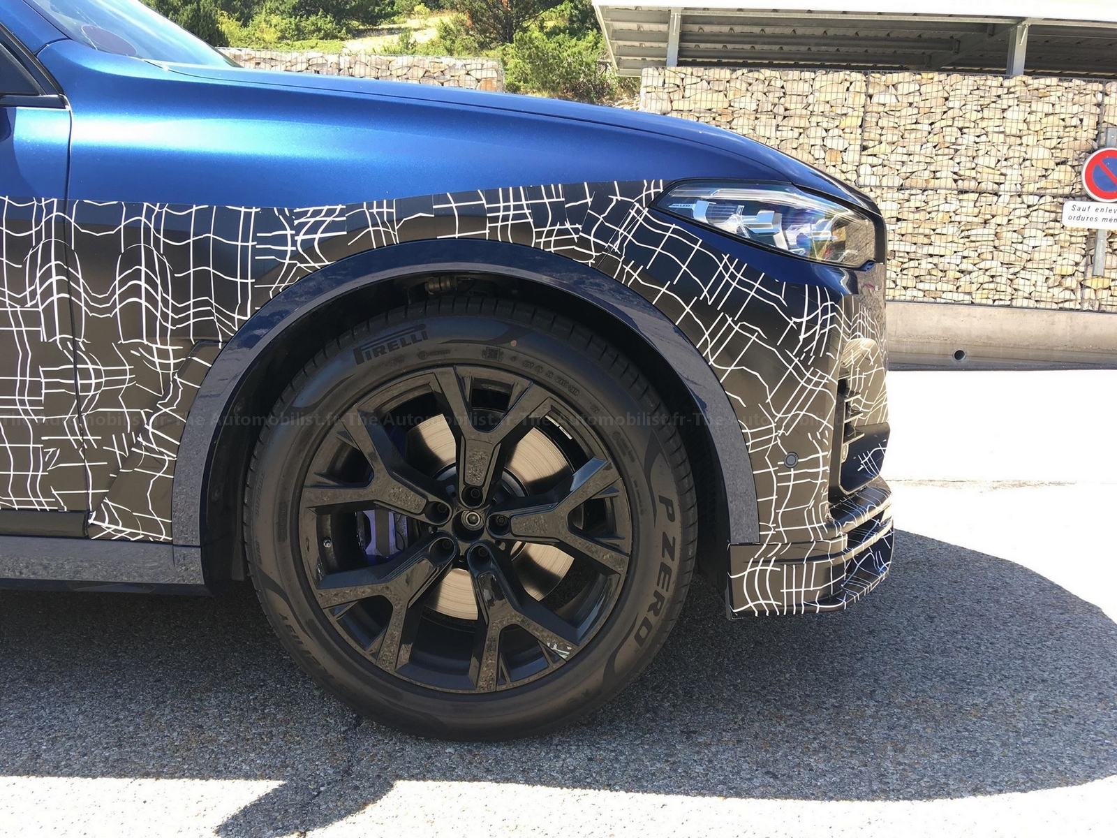 2017 - [BMW] X7 [G07] - Page 15 Alpina-X7-spyshot-the-Automobilist.2